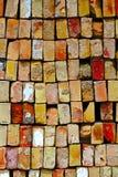 Hintergrundstapel von roten alten Ziegelsteinen Stockfotos