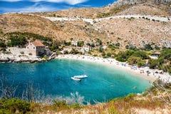 Hintergrundstrand Kroatiens, adriatisches Meer Stockfotografie