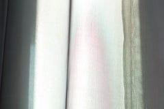 Hintergrundwandoberfläche mit schwarzen Streifen Lizenzfreies Stockfoto