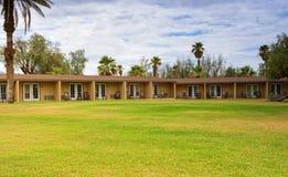 Hinterhof der amerikanischen Motel-Umwelt stockbilder