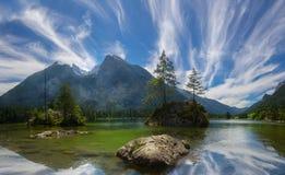 Hintersee湖在巴法力亚阿尔卑斯 免版税图库摄影