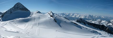 Hintertux滑雪倾斜 免版税库存图片