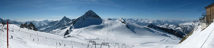 Hintertux滑雪倾斜 库存照片