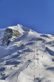 Hintertuxgletsjer met gondels en ski pistes Stock Foto's