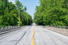 Hinunter eine Hauptstraße auf einer Brücke in Gettysburg schauen, Pennsylvania stockbild