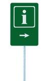 Hinweiszeichen im Grün, Buchstabeikone des Weiß I und Rahmen, rechter Zeigepfeil, lokalisierter Straßenrandinformationen Signage  Lizenzfreies Stockfoto