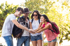 Hip friends cheering up Royalty Free Stock Photos