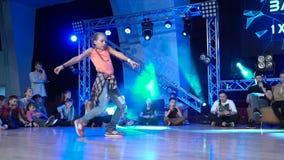Hip-hop da dança da moça video estoque