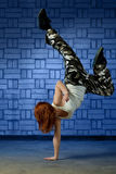 Hip hop dancer performing a handstand Royalty Free Stock Photography