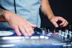 Hip Hop dj抓与音乐的唱片 库存图片