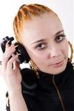 Hip-hop femenino DJ con los auriculares Fotos de archivo libres de regalías