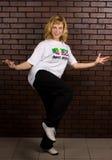 Hip-hop hermoso del baile de la muchacha Imagen de archivo