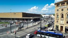 Hiperlapse d'arrivée et départ de Florence ajustent près de la station de train clips vidéos