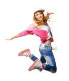 Hiphopdanser die die hoog in de lucht springen op witte backgro wordt geïsoleerd Stock Afbeeldingen