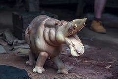 Hipopótamo de madera de la decoración Imágenes de archivo libres de regalías