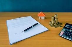 Hipoteczny kontrakt dla sprzedaży nieruchomości własność zdjęcie royalty free