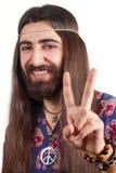 Hippie με το μακρυμάλλες κάνοντας σημάδι ειρήνης Στοκ Φωτογραφίες