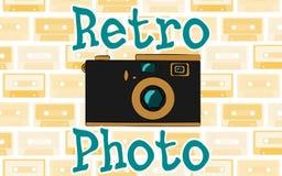 Hippie-Antikenkamera der alten Weinlese Retro- und ein Retro- Foto der Aufschrift vom 70 ` s, 80 ` s, 90 ` s gegen die Hintergrun vektor abbildung