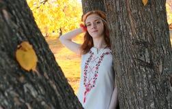 Hippie da menina no outono fotografia de stock royalty free