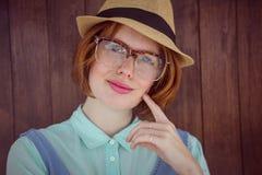 Hippie de gingembre avec le chapeau flexible et les verres photos libres de droits
