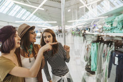 Hipster Females In Shopping Mall Royalty Free Stock Photography