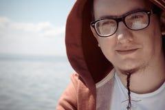 Hipsterman med ett skägg Arkivfoton