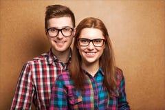 Hipsters het luisteren muziek samen Stock Foto's