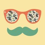 Hipstertappningsolglasögon med färgrika lyckliga monster Arkivbild