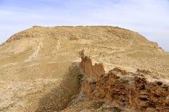 Hircania堡垒在犹太沙漠。 库存照片