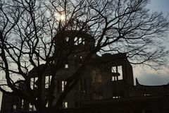 Hiroshima fredminnesmärke - Genbaku kupol royaltyfri bild