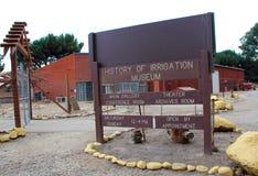 Hisitory av bevattningmuseet, konung City, Kalifornien Arkivfoto