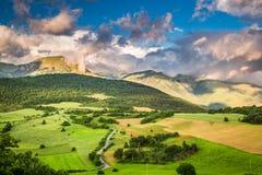 Hisnande bergsikt i Umbria Fotografering för Bildbyråer