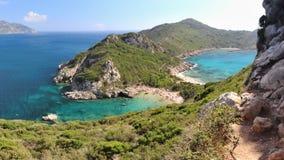 Hisnande härlig Timoni strand i Korfu arkivfoto