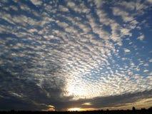 Hisnande moln Fotografering för Bildbyråer