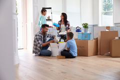 Hispanic Family Moving Into New Home Royalty Free Stock Image