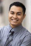 Hispanischer Geschäftsmann - Headshot Portrait Stockfotografie
