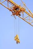 Hissa spårvagnmekanismen av tornkranen Fotografering för Bildbyråer