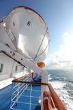 hissad räddningsaktion för fartyg färja upp royaltyfri foto