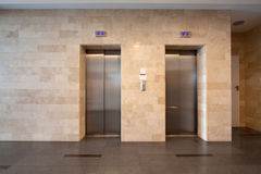 Hissdörrar Royaltyfri Foto
