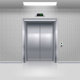 Hissdörrar Fotografering för Bildbyråer