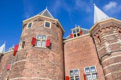 Histórico pese a casa no centro de Amsterdão imagem de stock
