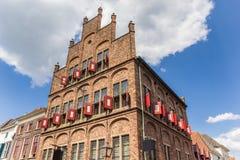 Histórico pese a casa no centro de Doesburg fotografia de stock