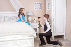 Histoire d'amour d'enfants Photo stock
