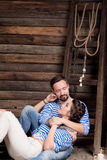 Histoire d'amour de couples de marins sur le fond en bois rapport Photo libre de droits