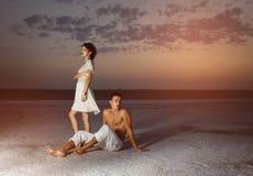 Histoire d'amour de jeunes beaux couples Images libres de droits