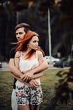 Histoire d'amour du beaux jeune homme et femme photo stock