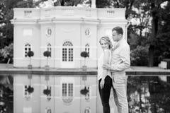 Histoire d'amour, jeune couple Relations Romance Images stock