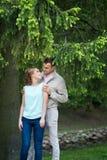Histoire d'amour, jeune couple Relations Romance extérieur Photos stock