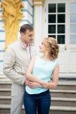 Histoire d'amour, jeune couple Relations Romance extérieur Images libres de droits