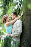 Histoire d'amour, jeune couple Relations Romance extérieur Photo libre de droits